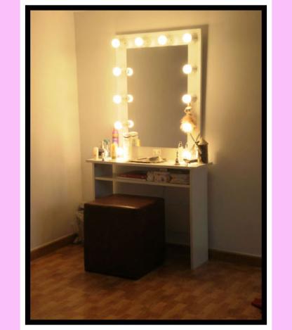 Espejo de camerino y maquillaje. Vertical. Blanco. 100 x 76 cm.